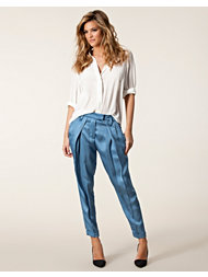 Schumacher Effortless Loose Fit Pant