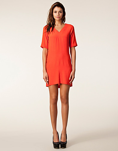 FESTKLÄNNINGAR - WHYRED / STINE TINTED RAY DRESS - NELLY.COM