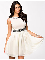 Aura Boutique Chiffon Embellished Dress