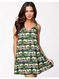 Oh My Love Forrest Print Cami Dress