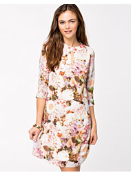 Little Mistress Floral Shift Dress