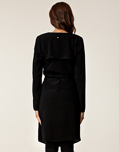 KLÄNNINGAR - BACK BY ANN-SOFIE BACK / YOKE COLLAR DRESS - NELLY.COM