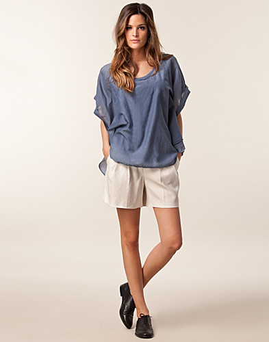 BYXOR & SHORTS - HUGO BOSS / HONINA TROUSERS - NELLY.COM