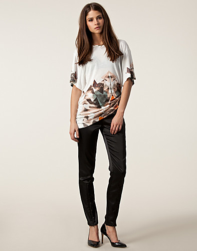 TOPPAR - STORM & MARIE / TALK SHORT SLEEVE TOP - NELLY.COM