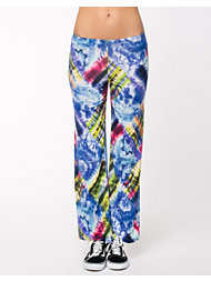 Womanize New York Pants