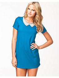 Aura Boutique Embellished Collar S/S Shift Dress