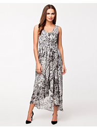 B.Young Twenty Dress
