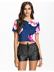 Ginger Fizz When Love Calls Crop Top