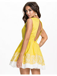 Ax Paris Kickout Contrast Skater Dress
