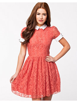 Lili London Lace S/S Collar And Cuff Dress