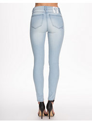 Sweet Skinny Light Wash Jeans