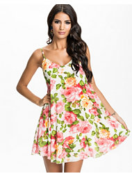Oneness Floral Shift Dress