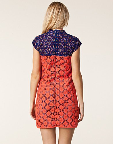 FESTKLÄNNINGAR - FRENCH CONNECTION / FLORENCE BEADING DRESS - NELLY.COM