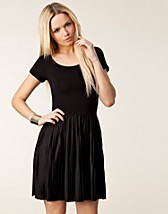PENNY PLEATS JERSEY DRESS