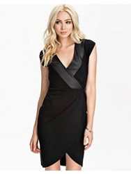 French Connection Tabitha Tux Winter Cross Over Dress