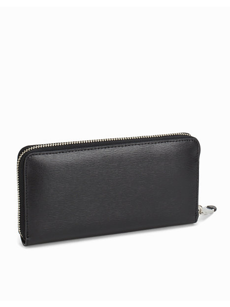 marc jacobs wallet nelly