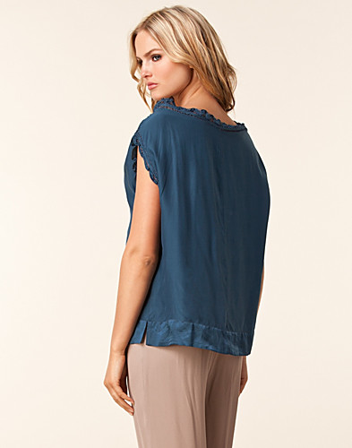 TOPPE - DAY BIRGER ET MIKKELSEN / DAY SARAH BLOUSE - NELLY.COM