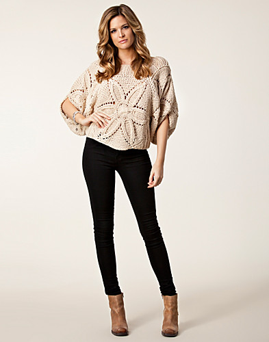 JUMPERS & CARDIGANS - ICHI / NELE SWEATER - NELLY.COM