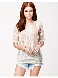 Ichi Lace Top