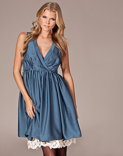 PARTY DRESSES - TRAFFIC PEOPLE / ODETTE LITTLE SLIP DRESS - NELLY.COM