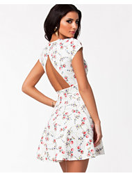 Oneness Open Back Flower Dress