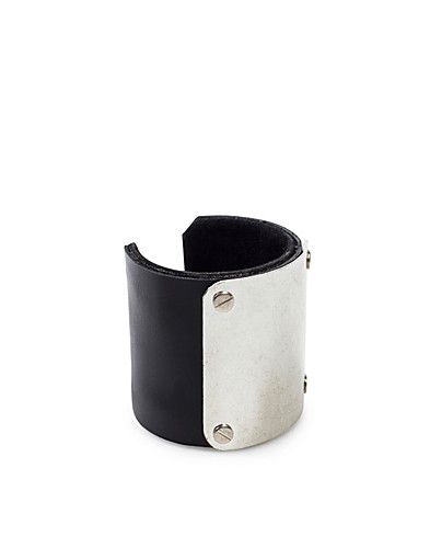 SMYCKEN - FRIIS & COMPANY / STEP BANGLE - NELLY.COM