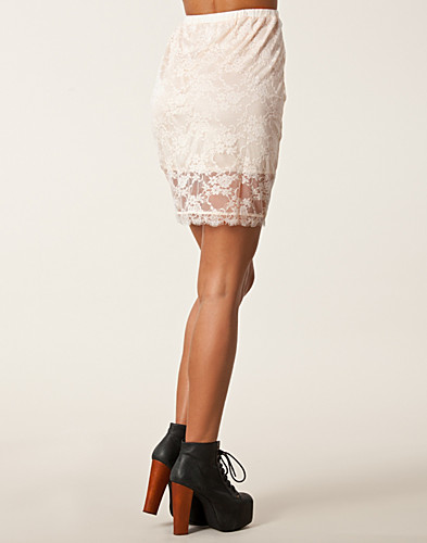SKJØRT - ESTRADEUR / LACE SKIRT - NELLY.COM