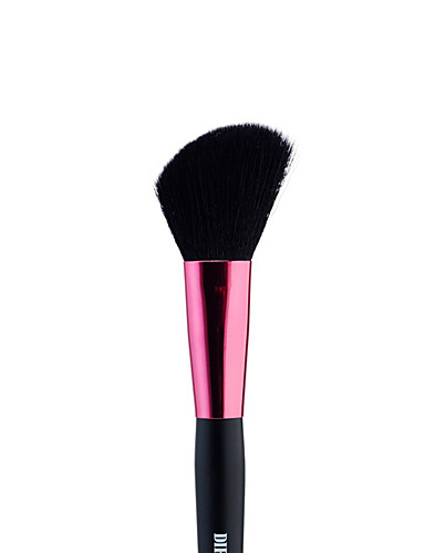 STYLING TOOLS & ACCESSORIES - DIRTY WORKS / ANGLED BLUSHER BRUSH - NELLY.COM