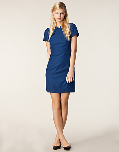 KLÄNNINGAR - J LINDEBERG / LEAH CUPRO COTTON TWILL DRESS - NELLY.COM