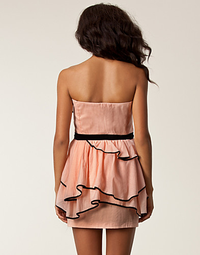 PARTY DRESSES - AURA BOUTIQUE / RUFFLE BANDEAU DRESS - NELLY.COM