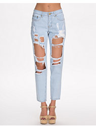 Reverse Distressed BF Jeans