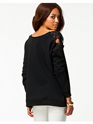 F.A.V Hug Me Scull Shoulder Top