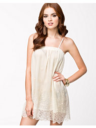 F.A.V Lace Dream Short Dress