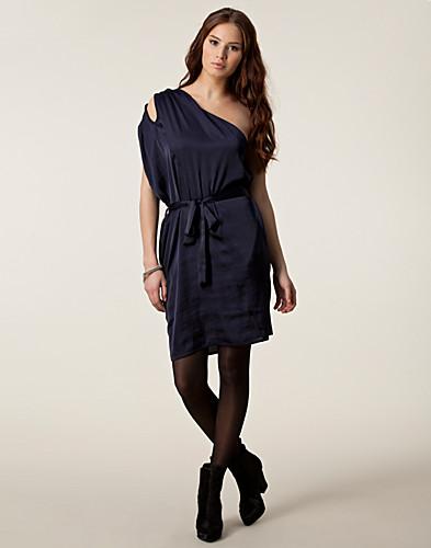 KLÄNNINGAR - JUST FEMALE / LOY DRESS - NELLY.COM