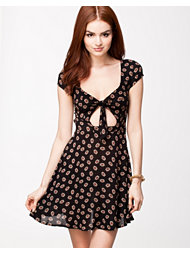 Kiss The Sky Oopsy Daisy Dress