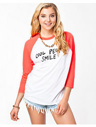 Native Rose Smile Raglan Baseball T-shirt
