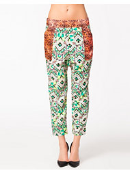 Native Rose Contrast Poacket Slouch Pant