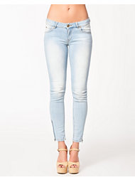 SuperTrash Paradise Crop Zip Jeans