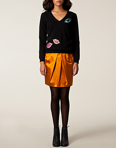JUMPERS & CARDIGANS - MOSCHINO CHEAP & CHIC / ELLA SWEATER - NELLY.COM