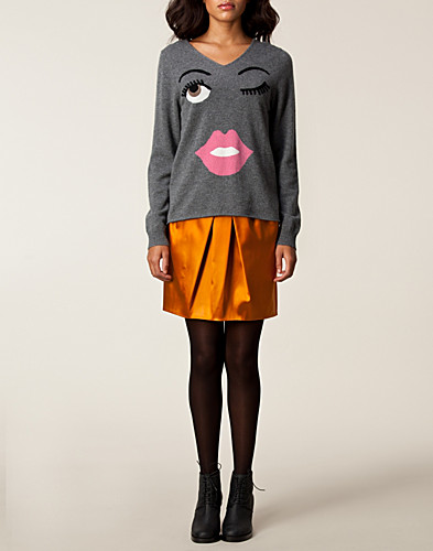JUMPERS & CARDIGANS - MOSCHINO CHEAP & CHIC / ZANDRA SWEATER - NELLY.COM