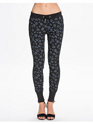 Zoe Karssen Leopard All Over Sweatpant