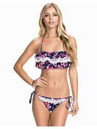 Hot Anatomy Triple Flounce Crochet Bikini Set