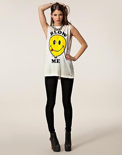 TOPS - UNIF / BLOW ME TOP - NELLY.COM
