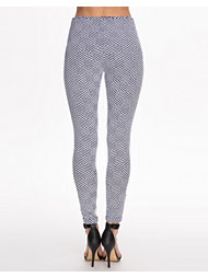 Club L Essentials Aztec Jaquard Jegging