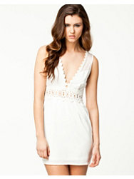 Notion 1.3 Lace Detail Dress