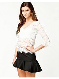 Notion 1.3 Little Lace Blouse