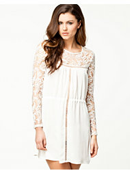 Notion 1.3 Lovely Lace Dress