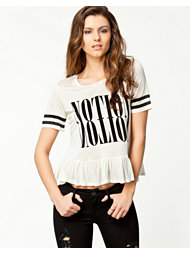 Notion 1.3 Frill T-shirt