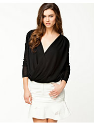 Notion 1.3 Twisted Jersey Top