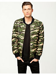 Notion 1.3 Camouflage Quilted Jacket
